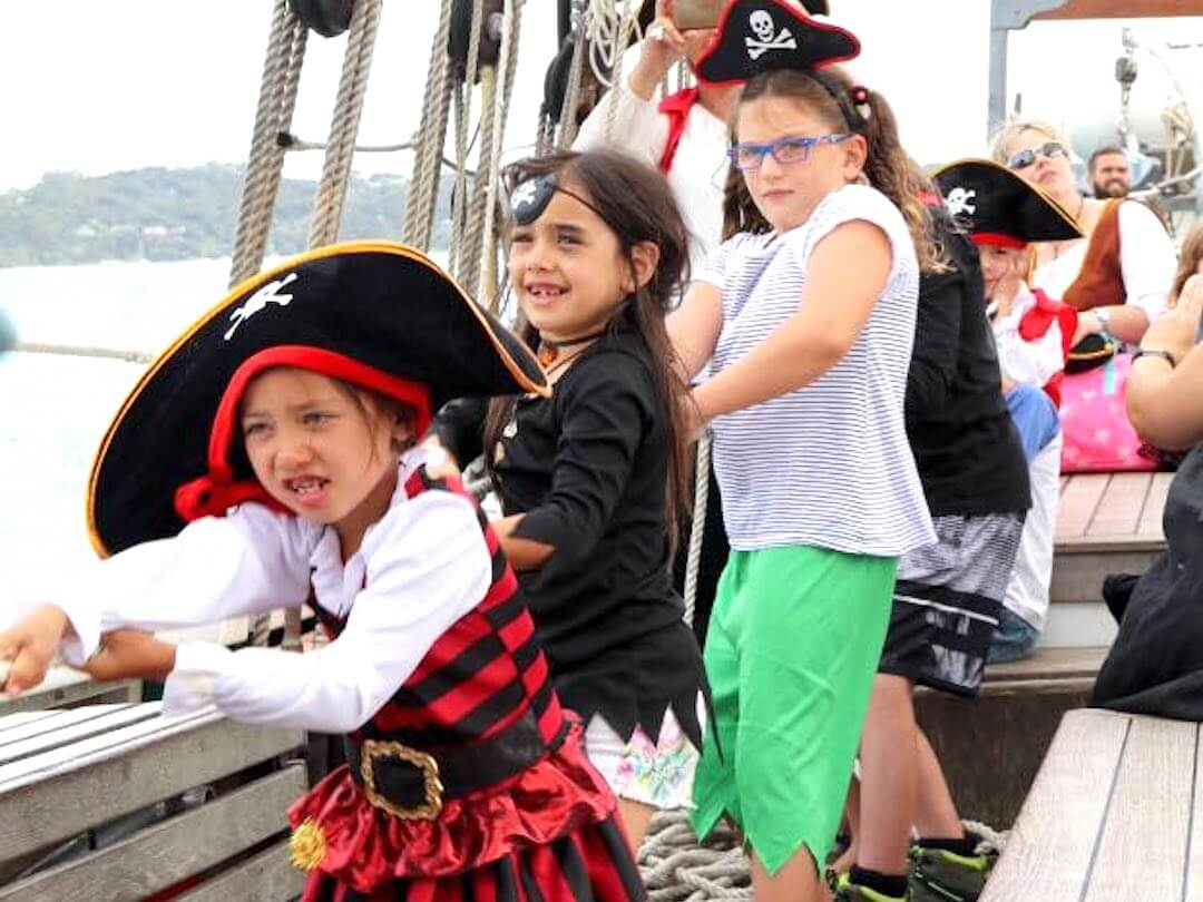 Kiddies being pirates